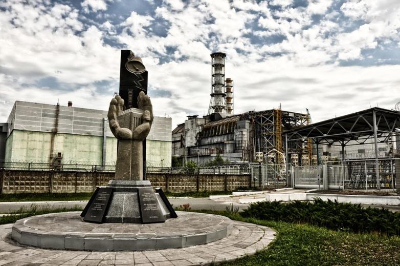 Un sarcophage géant pour protéger Tchernobyl
