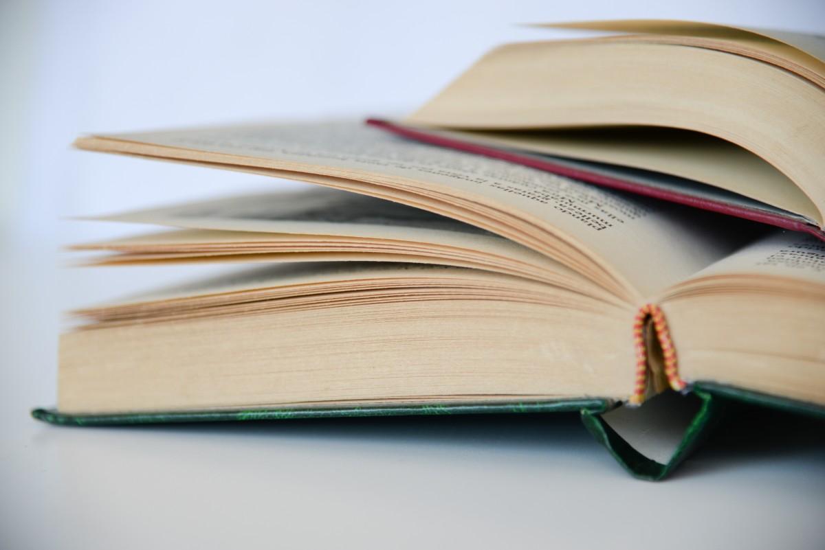 Le livre papier, plus écolo que le livre numérique ?