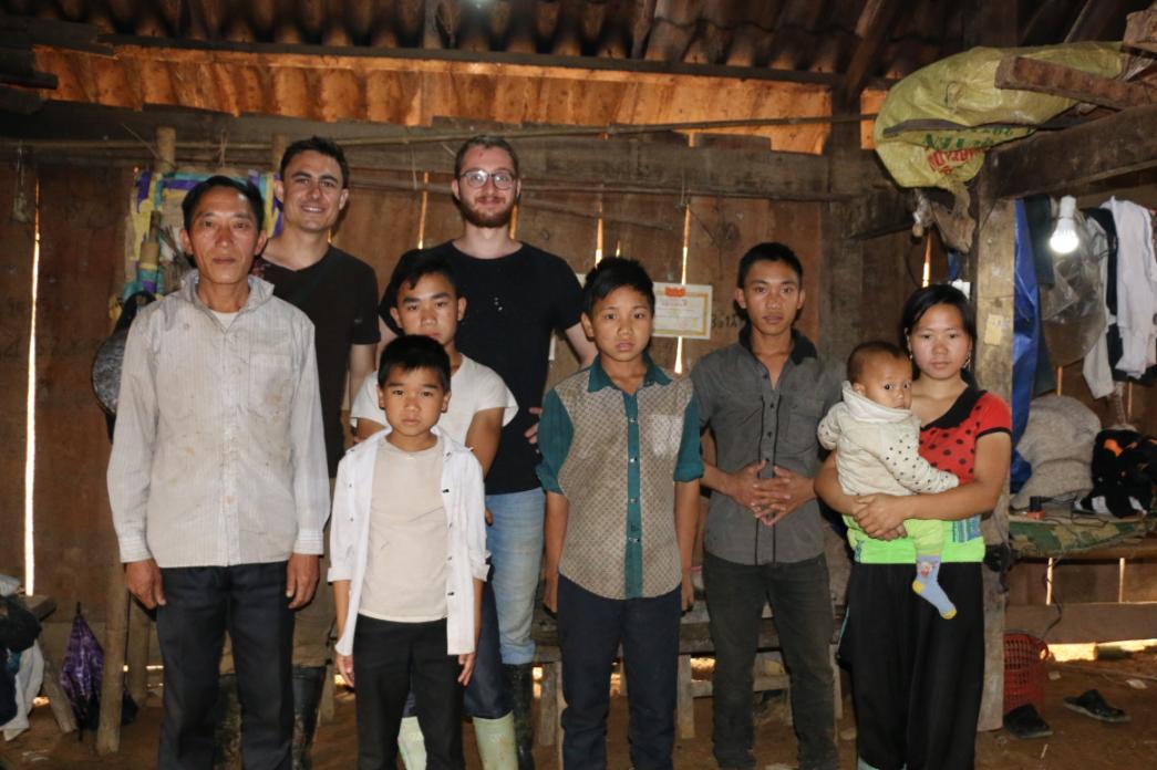 Humanitaire : une association versaillaise installe la lumière dans des maisons au Vietnam.