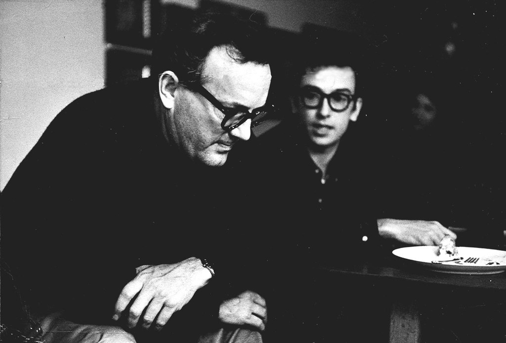 Charles Wright Mills (au premier plan) / Flickr (Institute for Policy Studies) (CC)