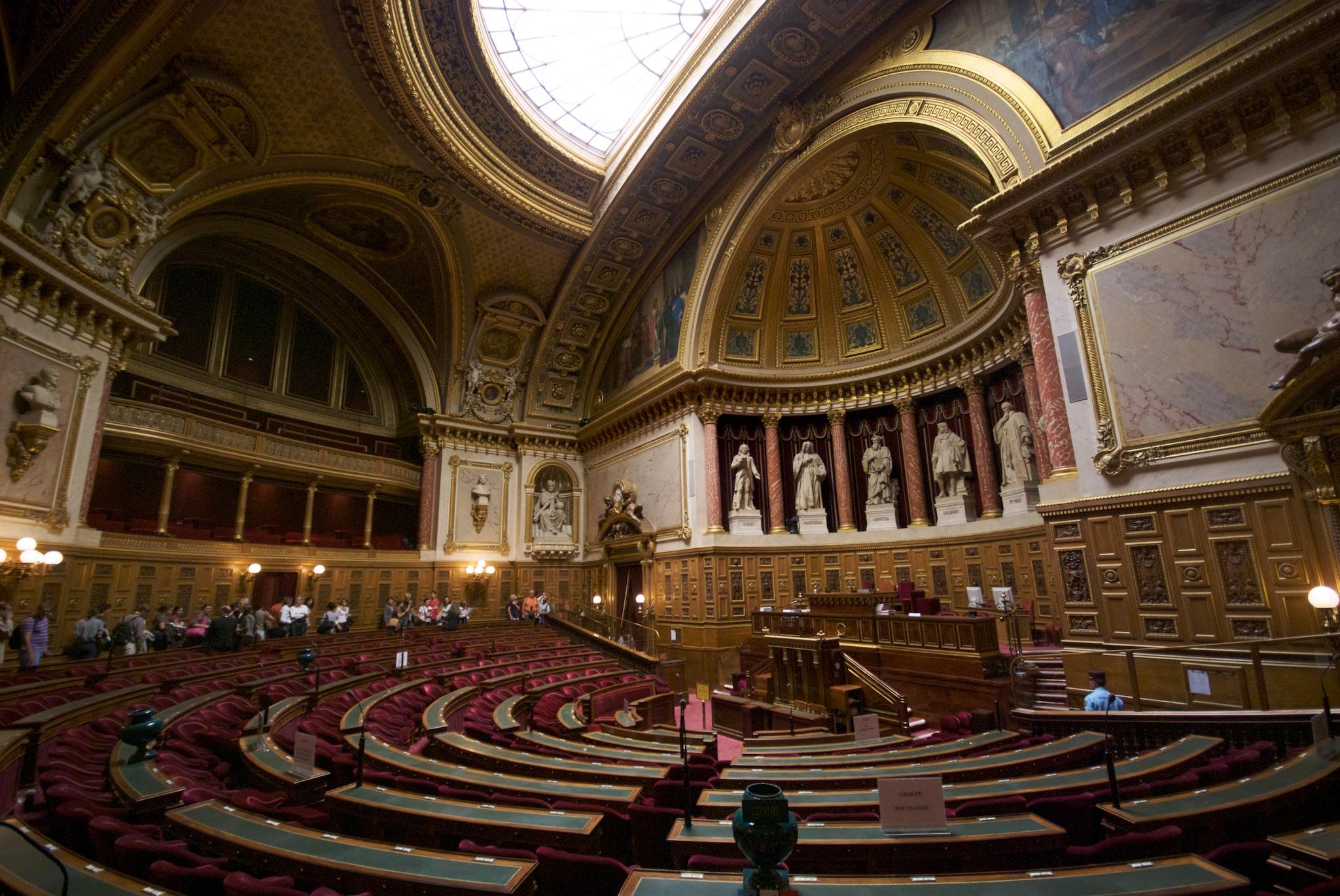 Le Sénat vote une loi de réforme du ferroviaire