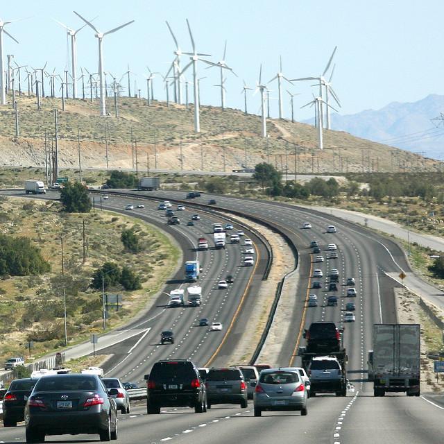 Automobiles, les pays industrialisés soutiennent fiscalement la pollution