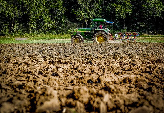 Cancer et pesticide, une enquête ouverte après la mort d'un agriculteur