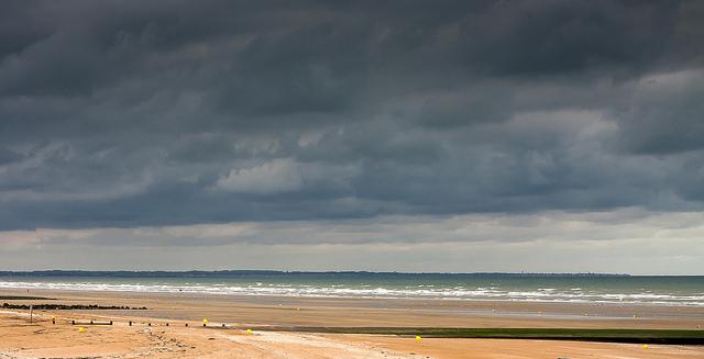 Suez environnement lance une application pour contrôler  la qualité des eaux de baignade