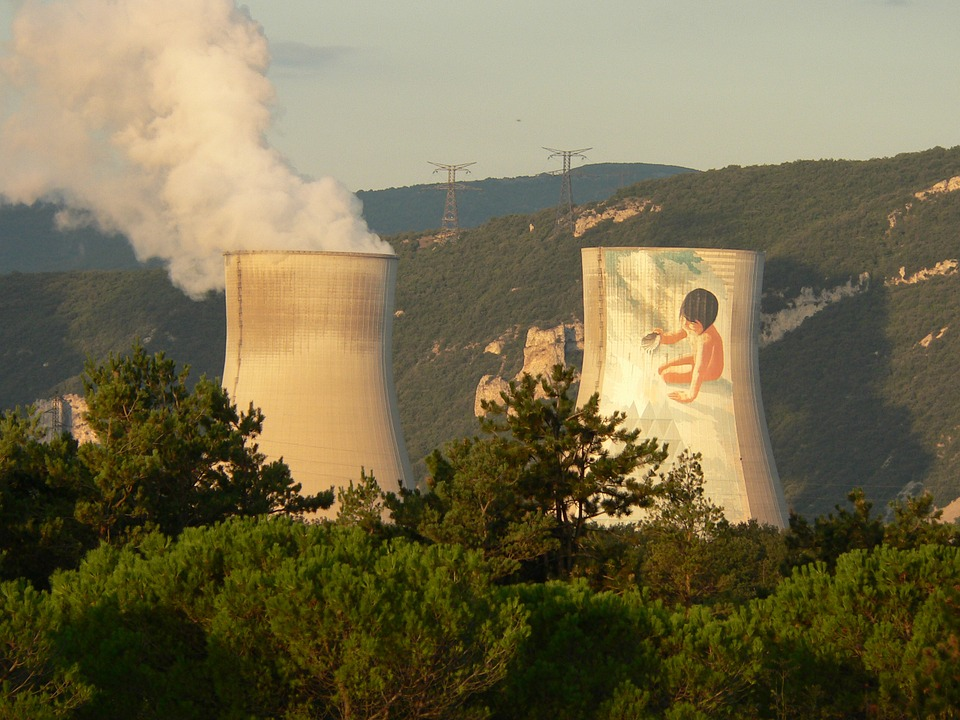 Prolonger le parc nucléaire couterait entre 55 et 100 milliards d'euros