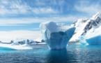 Javier Bardem plonge en sous-marin dans l'Antarctique avec Greenpeace