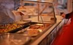 Il faut plus de repas végétariens à la cantine, plaide Greenpeace