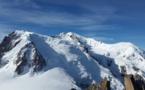 En haut du Mont-Blanc, Emmanuel Macron parle réchauffement climatique