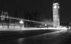 L'Angleterre prépare la vie sans gestes barrières et se repose sur le vaccin