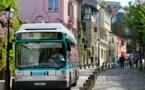 La RATP exploite déjà plusieurs petites lignes de bus électriques. Ici un Montmartrobus, des Gépébus fournis par PVI (sous licence Creative Commons)