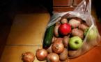 Le sac plastique à usage unique sera bientôt interdit en France